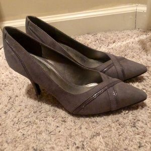 Size 7 gray Kelly and Katie pumps